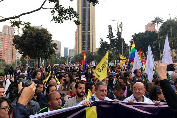 9A: Miles de personas claman por la paz en Colombia