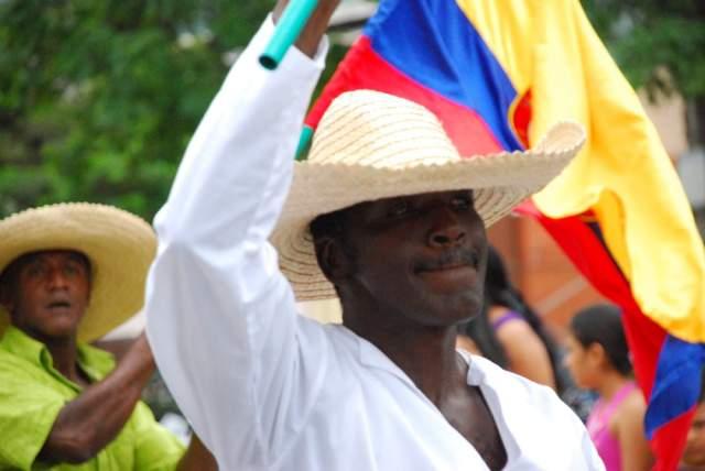 Acuerdos no se pueden quedar entre gobierno y FARC: Cumbre Afro
