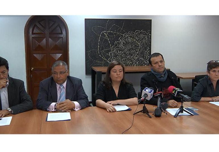 Cerca de 900 organizaciones sociales y de DDHH llaman a pactar un cese bilateral