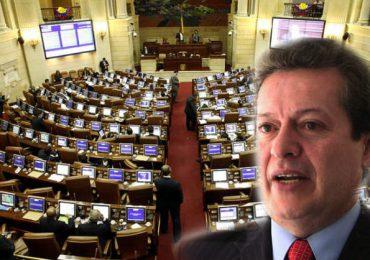 """""""Por lo menos 6 iniciativas en el Congreso buscan la impunidad de los militares"""" Alirio Uribe"""