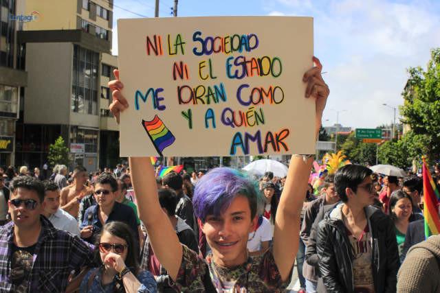 """""""Nacemos gays, ni la cultura ni la sociedad nos definen""""."""