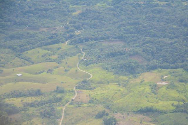 Bombardeo de FFMM en Putumayo habría dejado 8 viviendas afectadas y 10 heridos