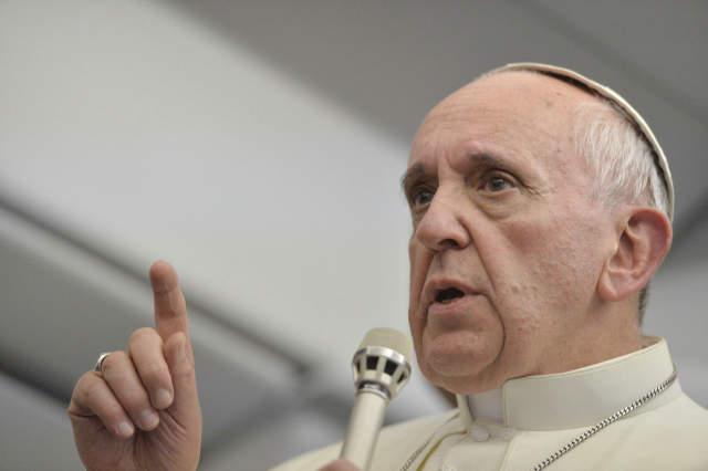 Empresas y gobiernos son los causantes del cambio climático según el Papa