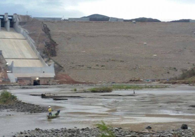 Llenado de El Quimbo continúa pese a suspensión preventiva de la CAM