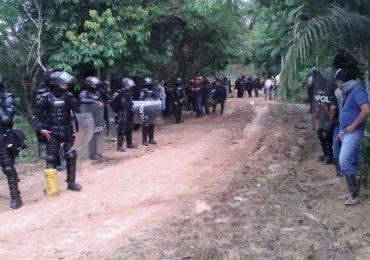Campesinos que impiden entrada de petrolera en Valparíso, Caquetá fueron golpeados por el ESMAD