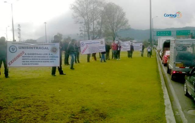 2do día de protestas de trabajadores de Gaseosas Lux y Postobón en Bogotá