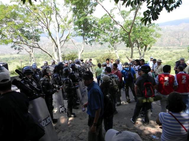 20 personas heridas deja agresión de ESMAD a familias en hacienda Bellacruz