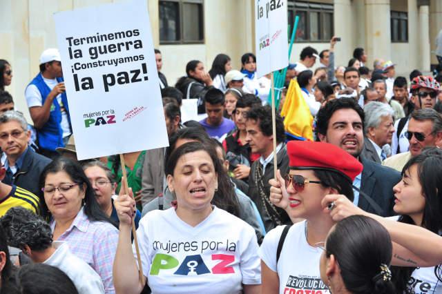 Mujeres colombianas se preparan para un escenario de posconflicto