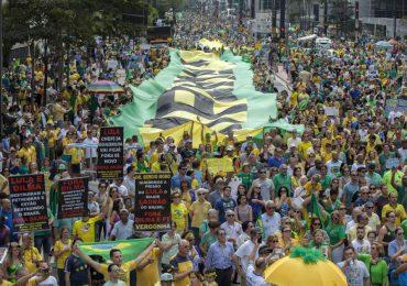 Movimientos sociales de Brasil respaldan y exigen compromisos serios del gobierno de Rousseff