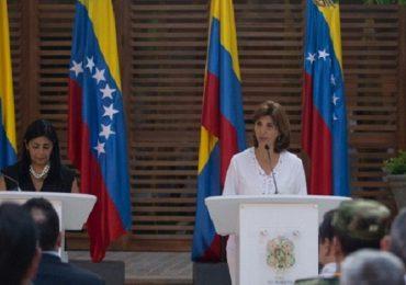 Paramilitarismo y contrabando, problemas comunes en frontera Colombo-venezolana: Cancilleres