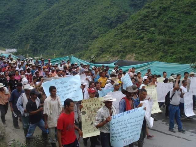 Movimiento Rios Vivos bloquea entradas a HidroItuango para frenar daños ambientales
