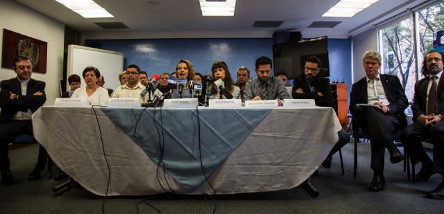 Víctimas aprueban acuerdo de justicia entre gobierno colombiano y FARC