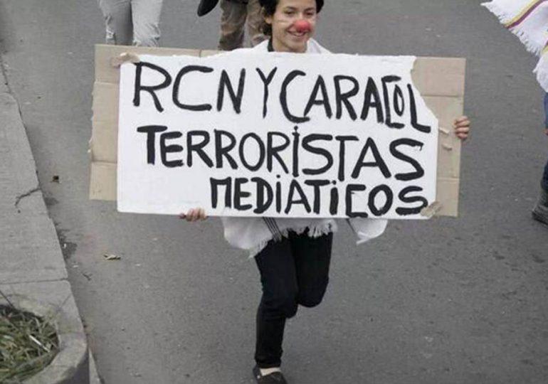 Dura crítica a RCN y Caracol por no cubrir agresión a paro de maestros