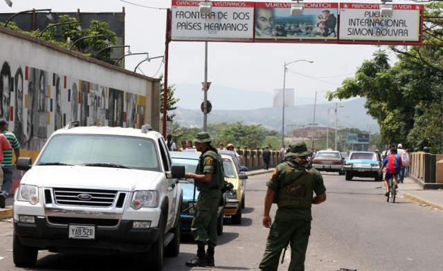 Se cierran 2200 kilómetros de cruce fronterizo entre la Guajira Colombiana y Zulia en Venezuela