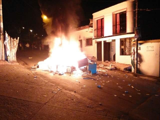 En Mapiripan continúa la represión contra la población luego del fraude electoral