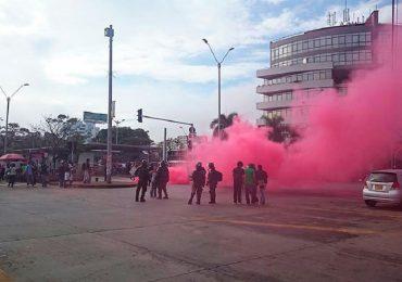 Un detenido y 7 heridos deja represión del ESMAD a estudiantes de la U. del Valle