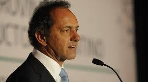 Daniel Scioli se consolida como favorito en las elecciones presidenciales en Argentina