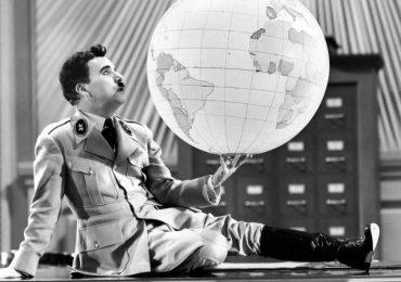 130 años del nacimiento de Chaplin y el mundo sigue en guerra