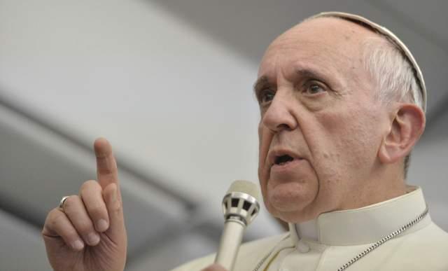 Francisco, Religión y Política