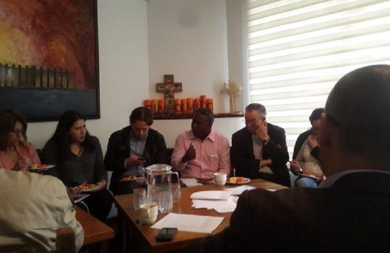 Sociedad Civil reunida para salvar proceso de paz