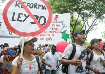Estudiantes y profesores de todo el país defienden la autonomía universitaria