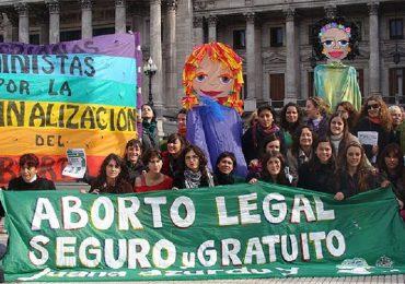 Mujeres no tendrán límite de tiempo para abortar en los 3 casos permitidos por la ley