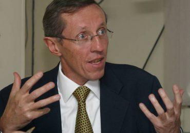 Revisión de indultos al M-19 no se puede decidir de forma unilateral: Navarro Wolff