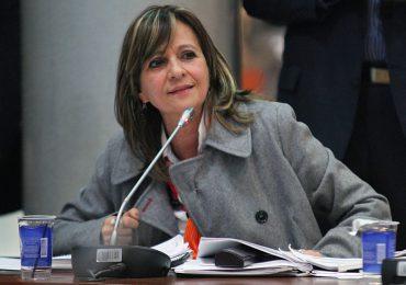 Estoy tranquila ante la denuncia por doble militancia en el CNE: Angela Robledo