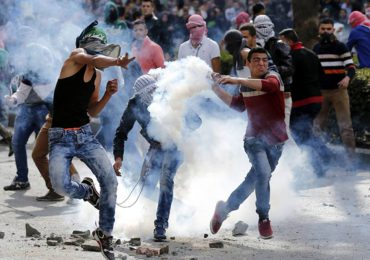 Palestinos podrán ser condenados por lanzar piedras a FFMM israelíes