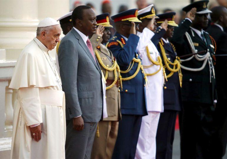 Papa pide acabar el conflicto étnico religioso entre cristianos y musulmanes