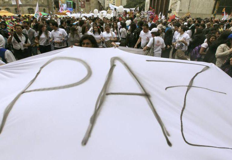 """Cuatro millones quinientos mil deberán votar """"Sí"""" en plebiscito para la paz"""