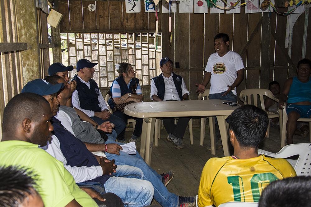 Reunión de la comunidad con el Defensor del Pueblo