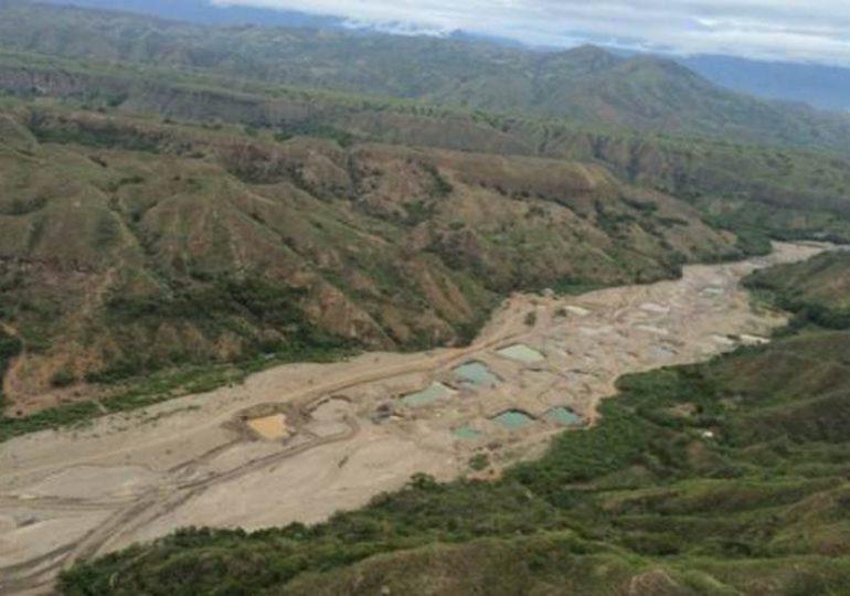 Minería legal e ilegal dejó seco al río Sambingo en el Cauca