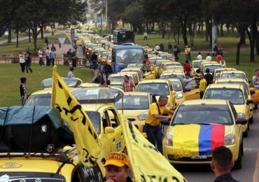 Las razones del paro de taxistas en Bogotá