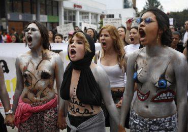 Caravana de mujeres avanza hacia Bogotá
