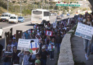 Palestinos e israelíes marchan contra ocupación