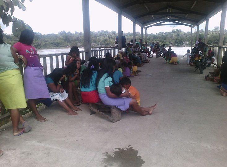 476 indígenas Embera desplazados por bombardeos del Ejército en Chocó