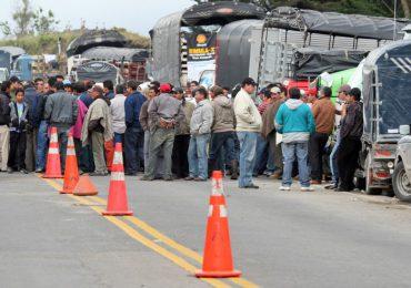 Por lo menos 2 niños heridos por ESMAD en marcha de transportadores