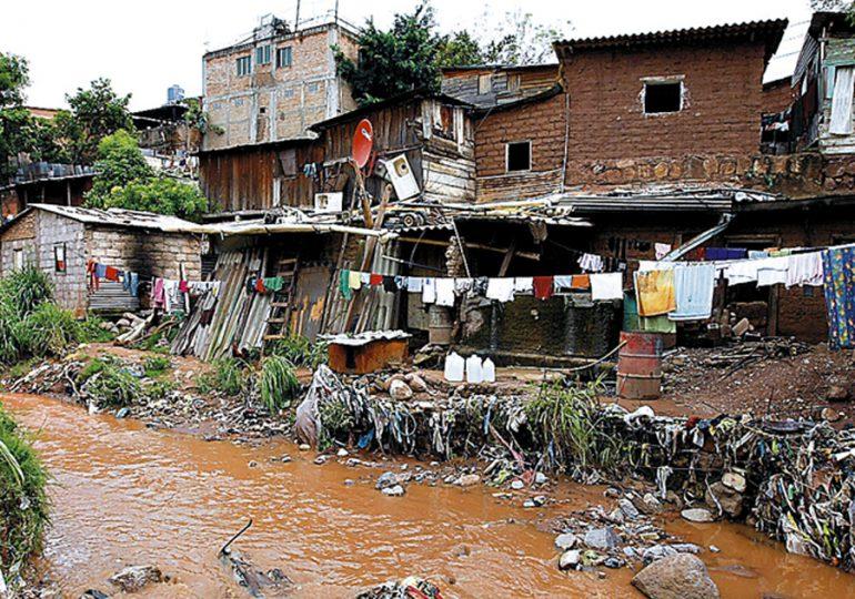 Más de 30 millones de latinoamericanos podrían volver a la pobreza: PNUD