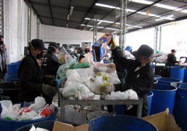 Ciudadanos pagarán por reciclaje según nuevo esquema de aseo en Bogotá