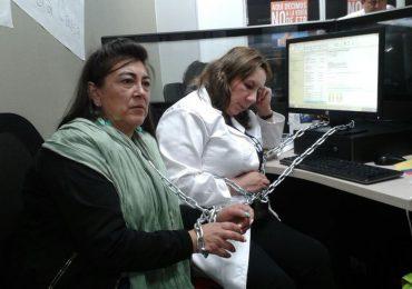 3 trabajadores despedidos de ETB permanecen en huelga de hambre y encadenados