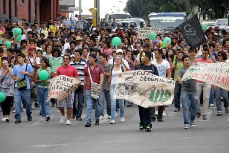 Paramilitares amenazan a estudiantes, profesores y trabajadores de la UIS