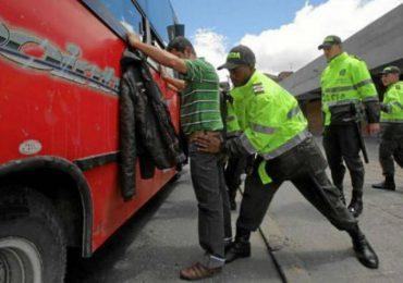 """Corte Constitucional restringe los """"súper poderes"""" del Código de Policía"""