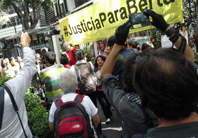 El mundo se moviliza para exigir justicia por Berta Cáceres