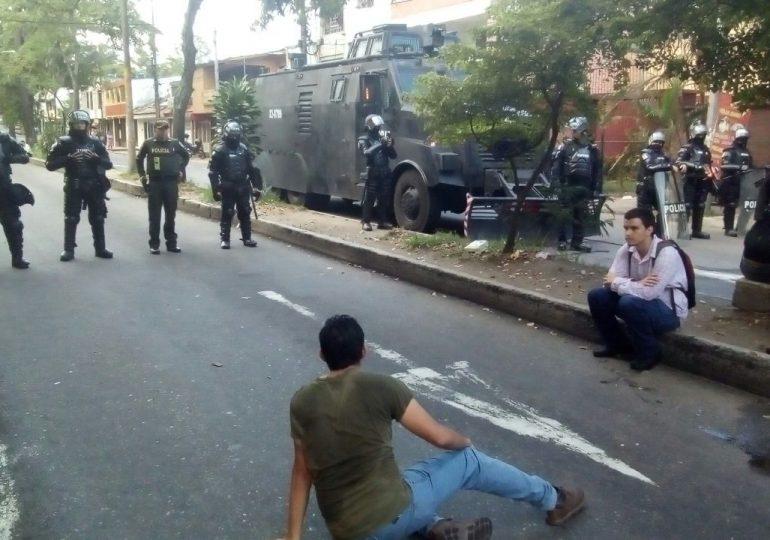 ESMAD ataca a estudiantes de la U del Tolima