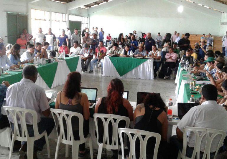 Cumbre Agraria y Gobierno negocian mientras continúa la Minga Nacional