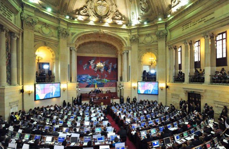 """""""Curules para la paz no son un regalo para las FARC"""": Camilo Vargas"""