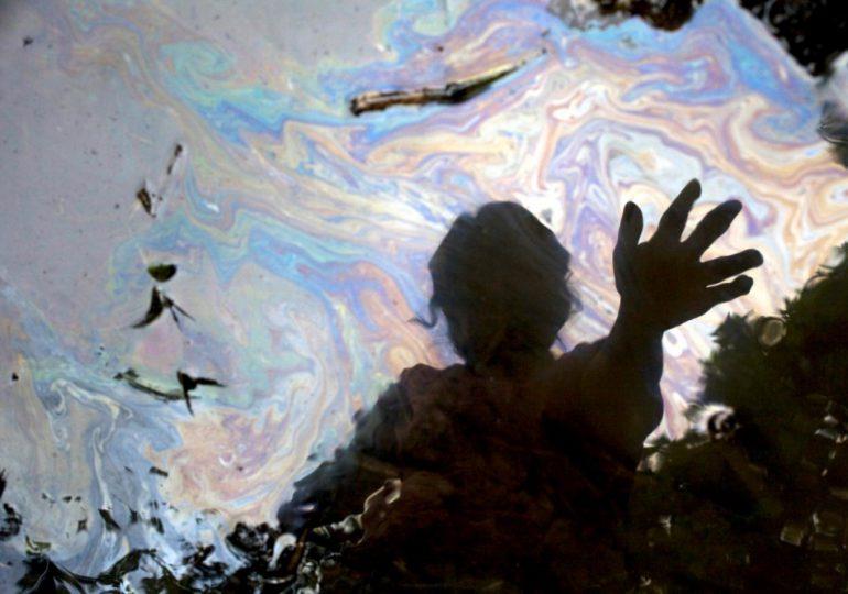 Tribunal de Ecuador debe embargar bienes de Chevron para reparar los daños en la Amazonía