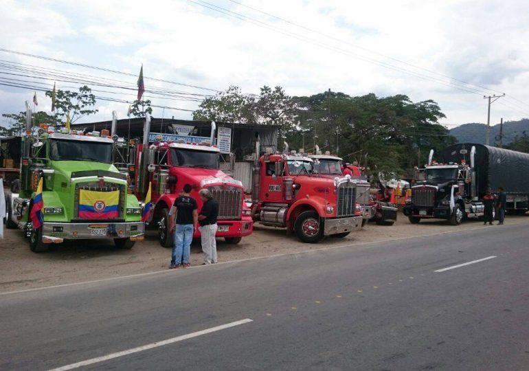 ESMAD arremete en contra de movilización de Camioneros vía Guarne - Bogotá