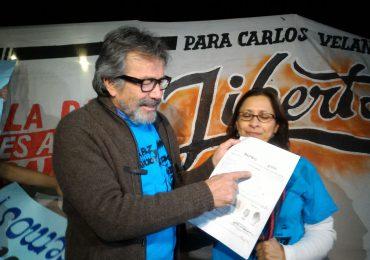 """""""A la guerra hay que quitarle todo tipo de opciones para construir la paz"""": Carlos Velandia"""